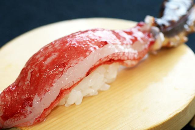 タラバガニのにぎり寿司